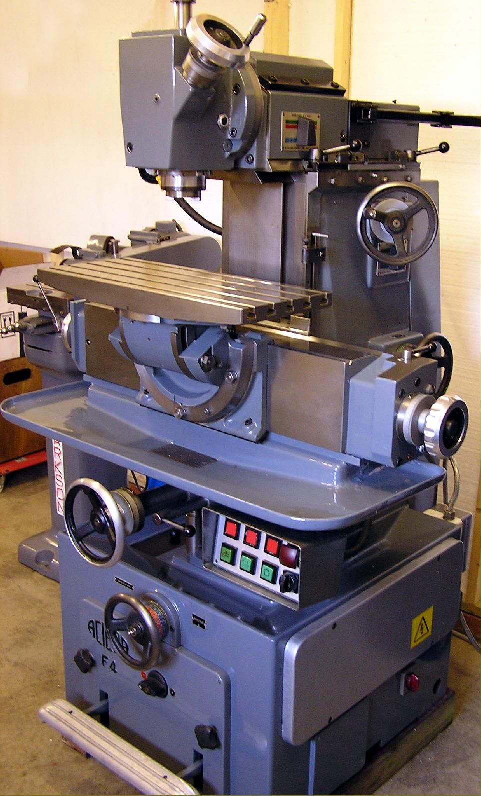 Archive lathes.co.uk in 2020 Milling machine