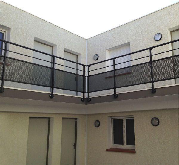 garde corps d 39 ext rieur en aluminium en t le perfor e pour balcon rivanel orial house. Black Bedroom Furniture Sets. Home Design Ideas