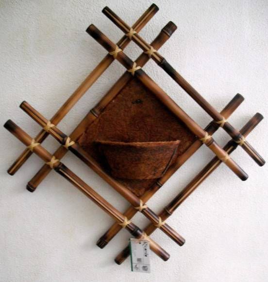 Bamboo craft projects diy bamboo wall decor ideas 2 for How to decorate bamboo sticks