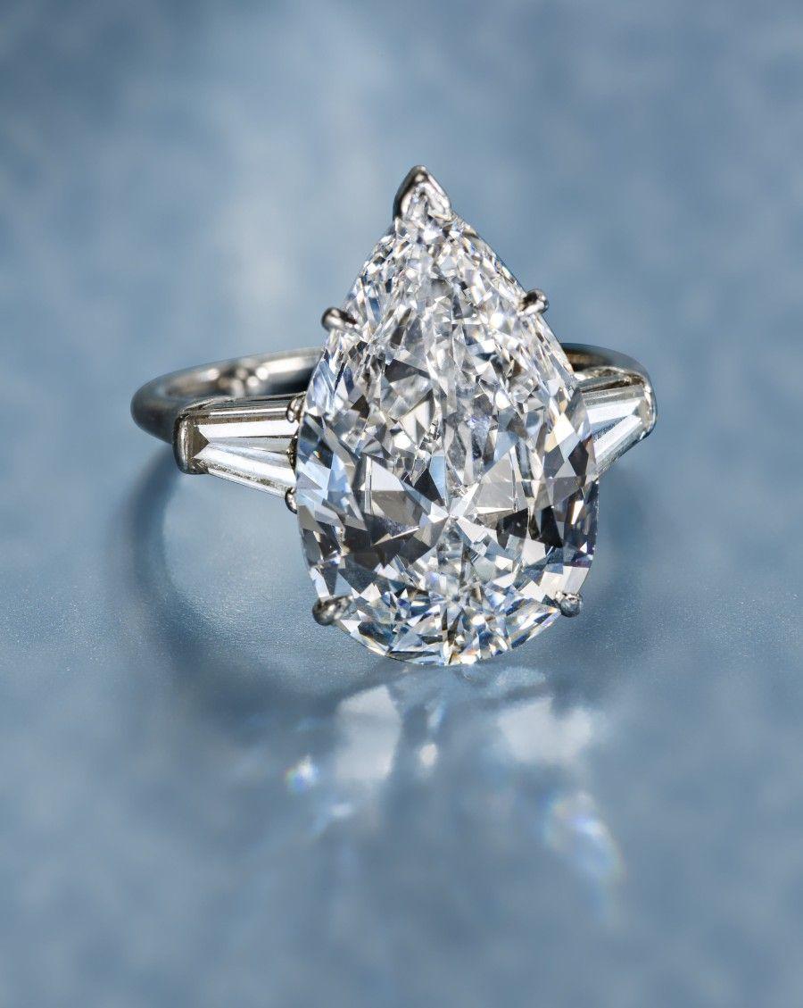 A Diamond Solitaire Ring Harry Winston Diamond Engagement Wedding Ring Wedding Rings Engagement Diamond Solitaire Rings