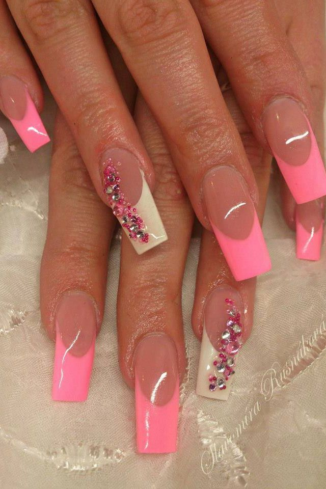Don't like the shape but there's something cute about these nails