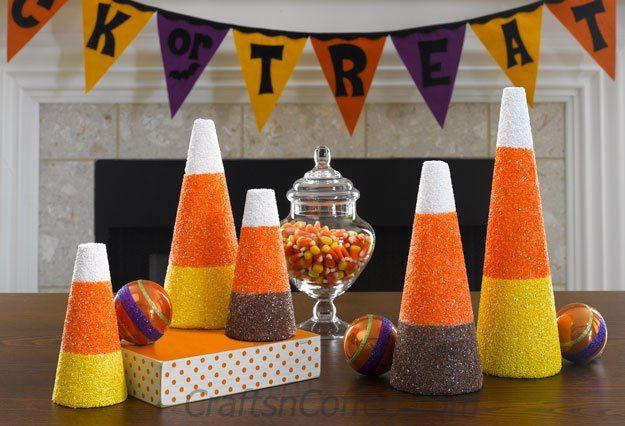 Such a cute  easy DIY Halloween decoration -- Glittered Halloween - halloween cute decorations