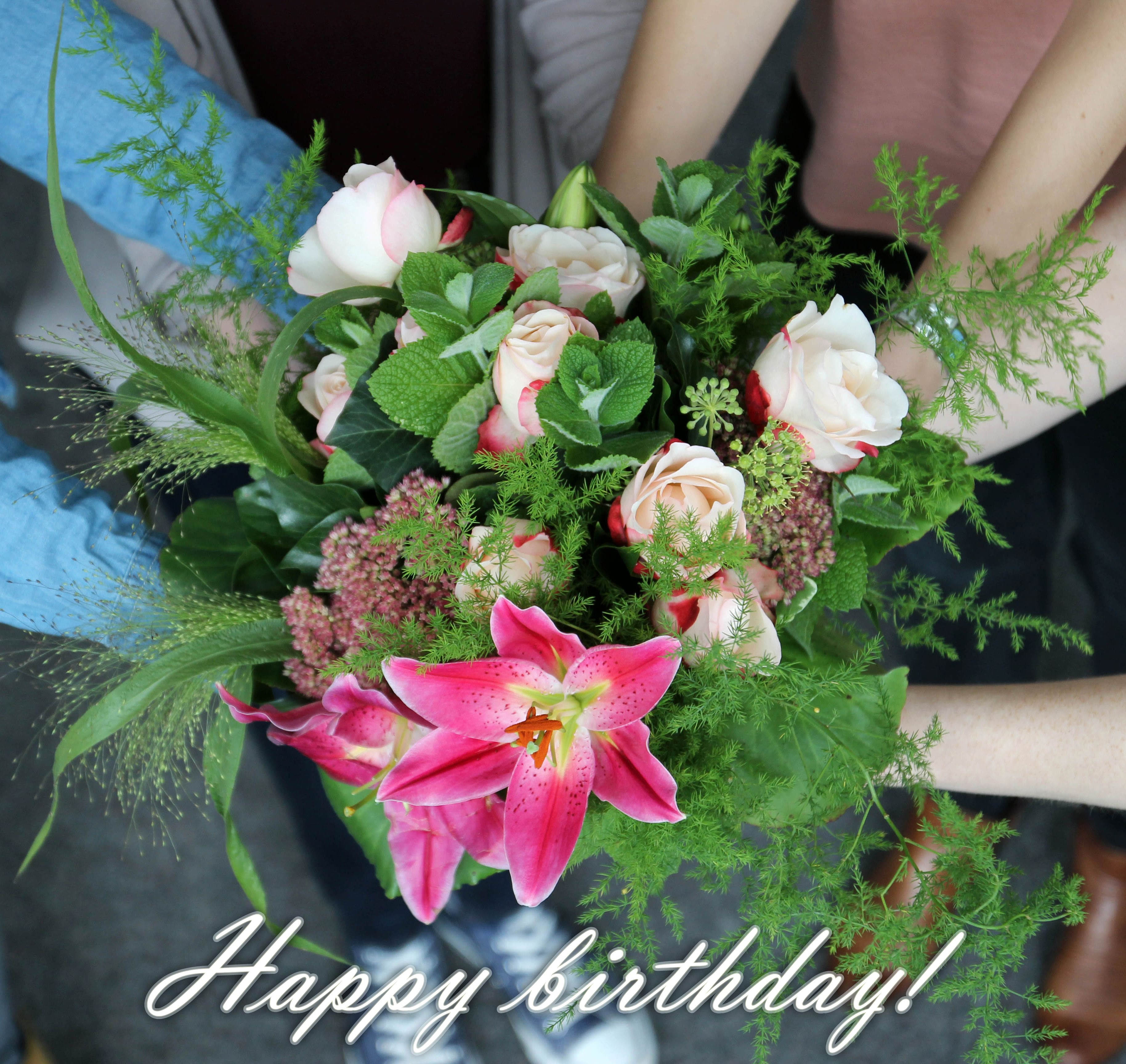 Ein Blumiger Geburtstagsgruss Der Ein Lacheln Ins Gesicht Zaubert