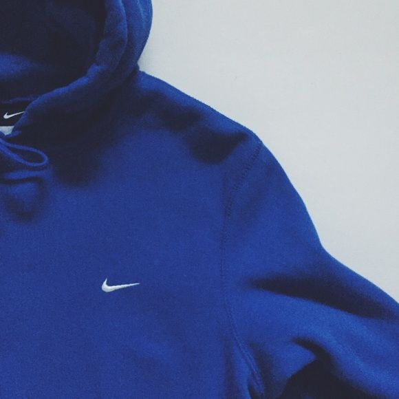 43bbdb052 Royal Blue Nike Hoody Nike pullover hoody with front pocket ✖ royal blue ✖  Size Men's medium but could fit a small ✖ tags: #nike #hoodie #blue Nike ...