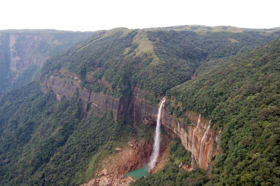 Cascate Nohkalikai – India - Flickr CC / Vanlal Tochhawng