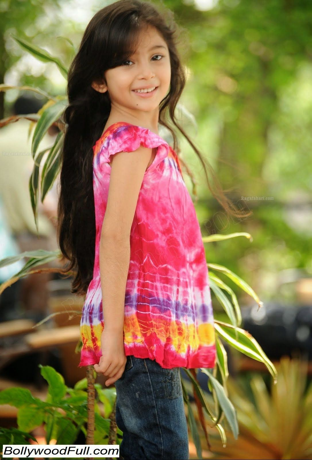 Child Artist Baby Sara 2016 Latest Cute HD Gallery (With