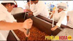 Video: Cómo se hace el fricasé más grande de Puerto Rico. Naranjito celebró el Primer Festival del Fricasé de Pollo Via│Primera Hora Mayo 2014