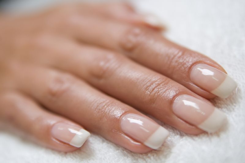 How to safely and quickly remove acrylic nails at home ...