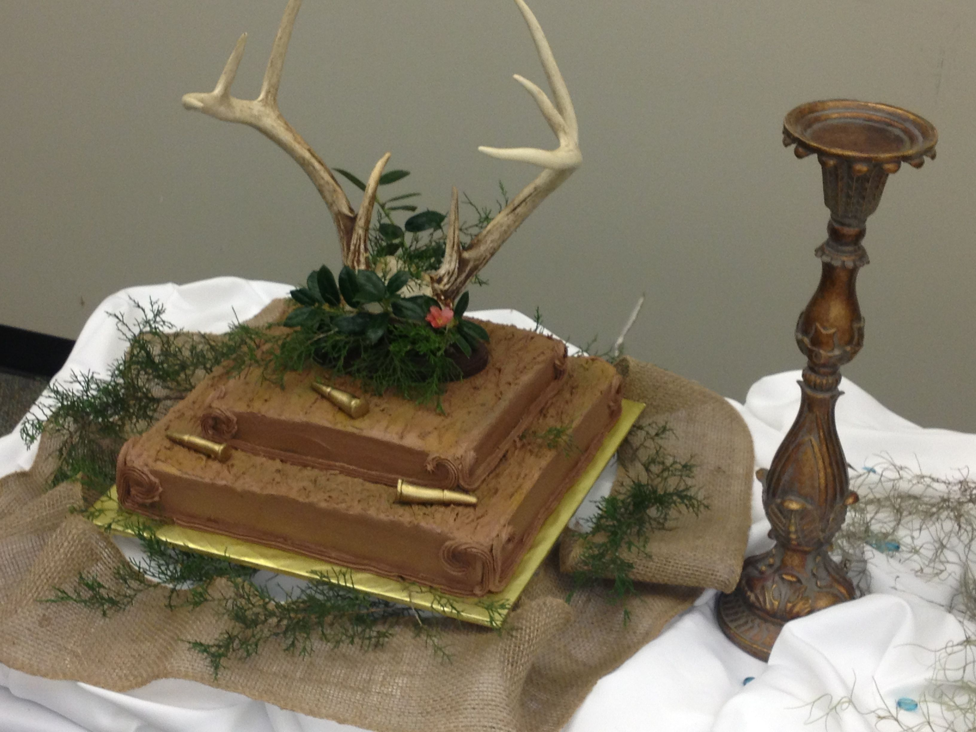 deer hunter groom cake wedding cakes pinterest cake grooms table and grooms. Black Bedroom Furniture Sets. Home Design Ideas
