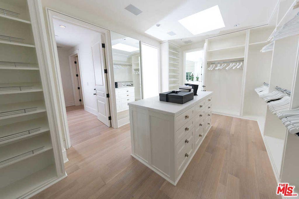 9425 Sunset Blvd Beverly Hills Ca 90210 Mls 20586508 Zillow Home Dream Closet Ideas House