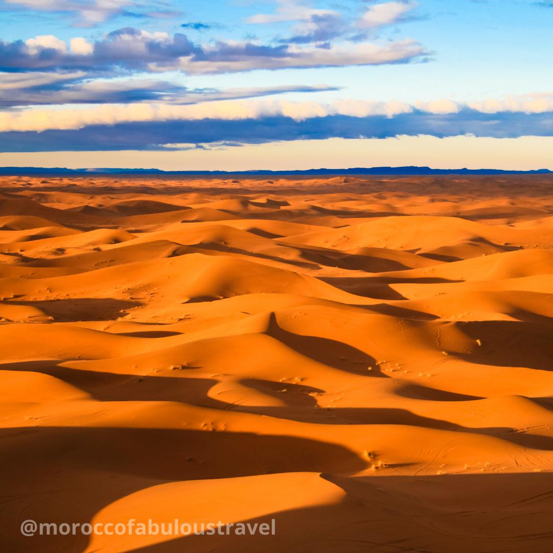 Golden Sand Dunes Of Merzouga Dunas De Arena Dorada De Merzouga In 2020 Sand Fun Deserts Natural Landmarks