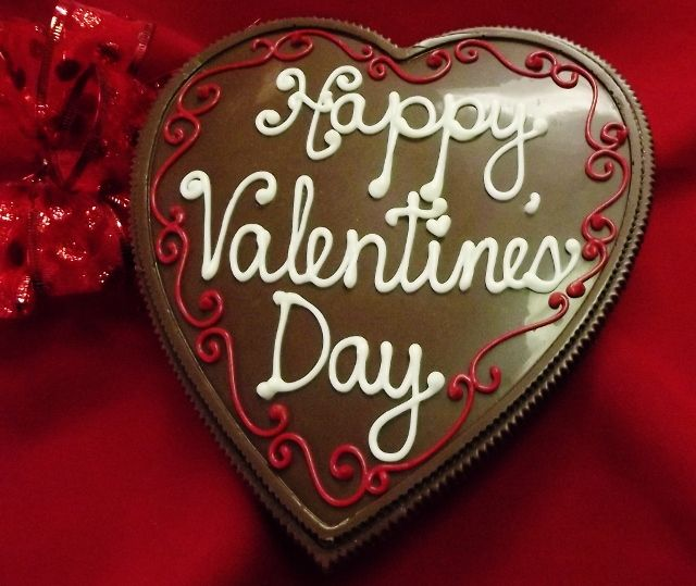 purchase heart shaped chocolate pizza happy valentines day 14 oz from chocolate pizza company on opensky