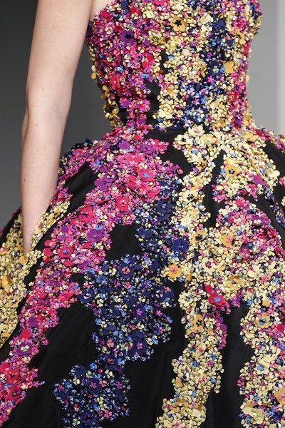 See detail photos for Oscar de la Renta Fall 2017 Ready-to-Wear collection.
