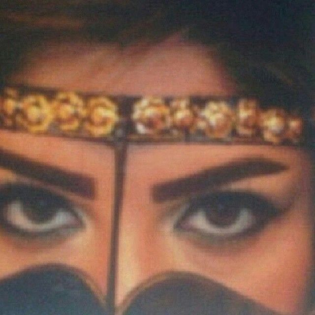 Pin By Assme Moon On Behind The Veil Arabian Beauty Girl S Swag Beautiful Eyes