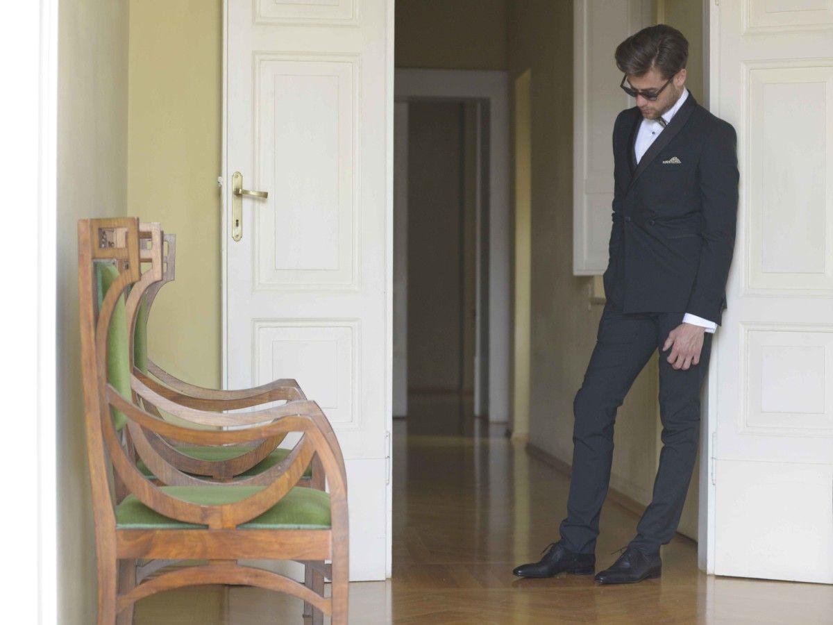 Scarpe nere uomo: accessorio tipico del new dandy