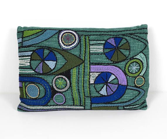 Mitte Des Jahrhunderts · Bettwäsche · Reserved Mid Century Modern Pillow  Hand Embroidered