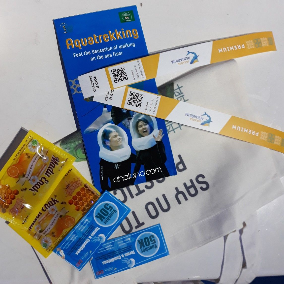 Jakarta aquarium ticket bundle. Tiket premium jakarta aquarium mendapat peta, madu, dan totebag untuk mendukung go green tanpa plastik.