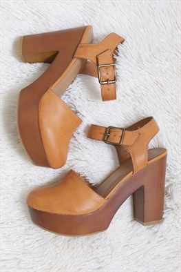 Lola Clog Heels: Clog heels are the must have shoe this