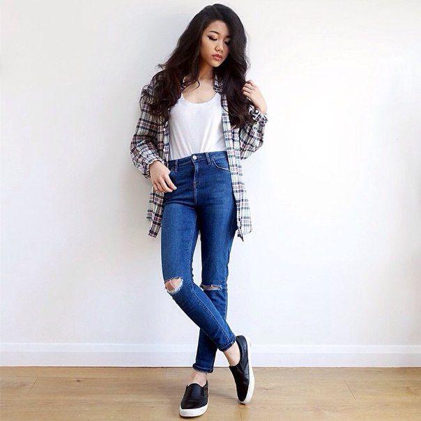 Plaid shirt. Minimalism. Basic. Simple. Slippers. Style. Look. OOTD.