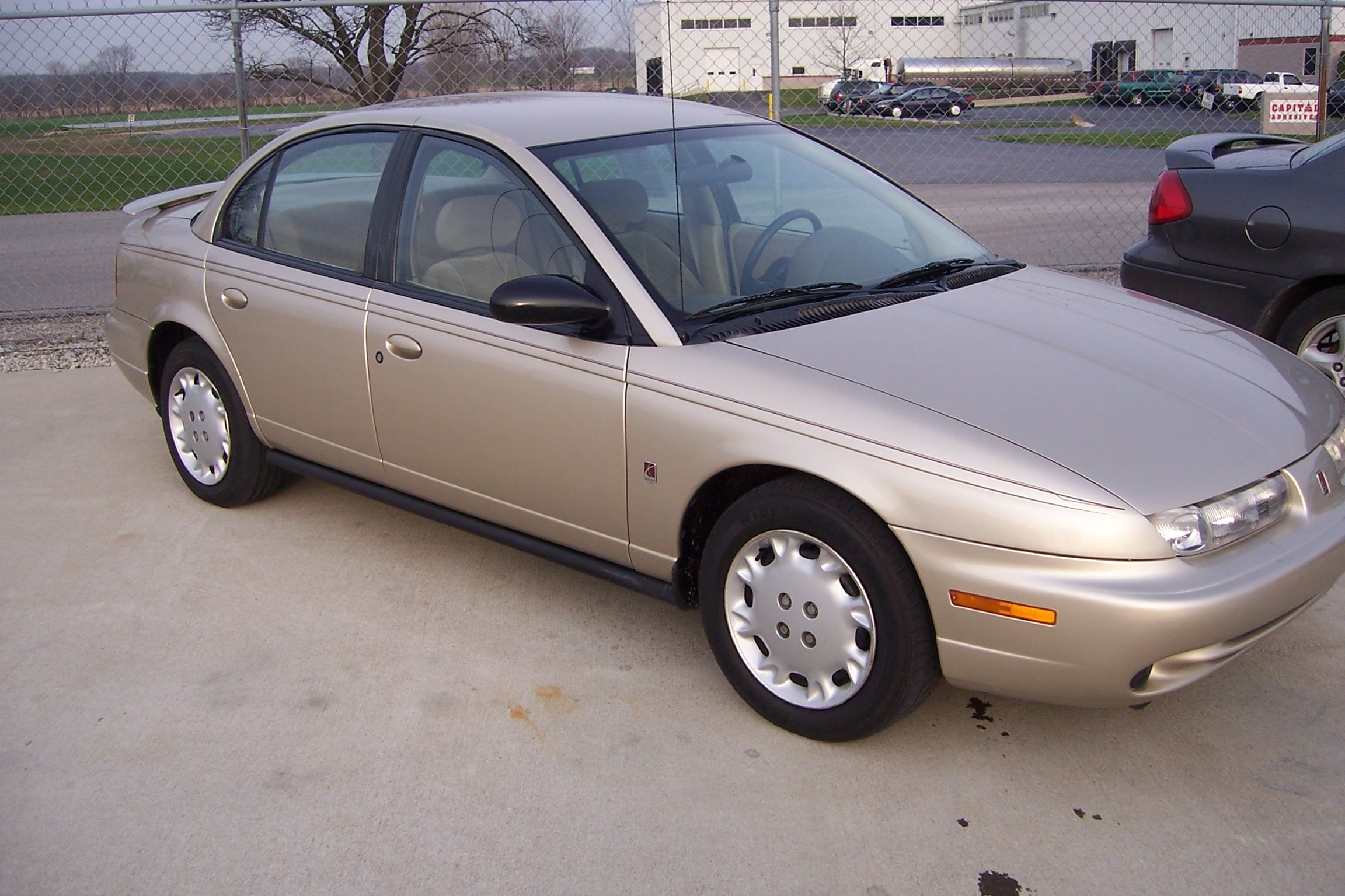 Looks Like My 1997 Saturn Sl2 Except Mine Did Not Have A Luggage Transmission Lawsuit About Rack On The Trunk