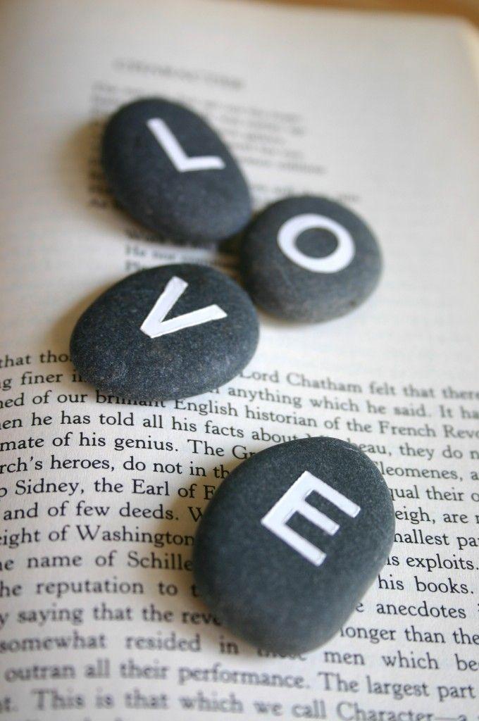 'love' stenen