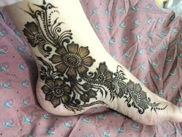 Mehndi Patterns For Legs : Mehndi designs simple for hand and legs shaadi e khas