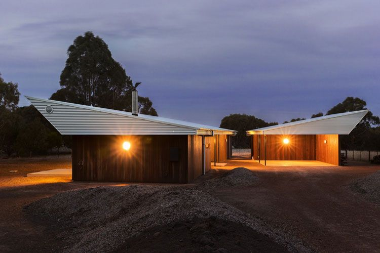 Leura Lane House Is Made Up Of Two Pavilions, One A Garage And One The