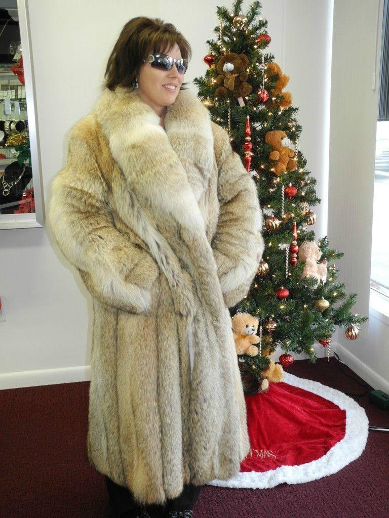 long thick coyote fur coat coyote raccoon tanuki coyote fur coat fur et fur fashion. Black Bedroom Furniture Sets. Home Design Ideas