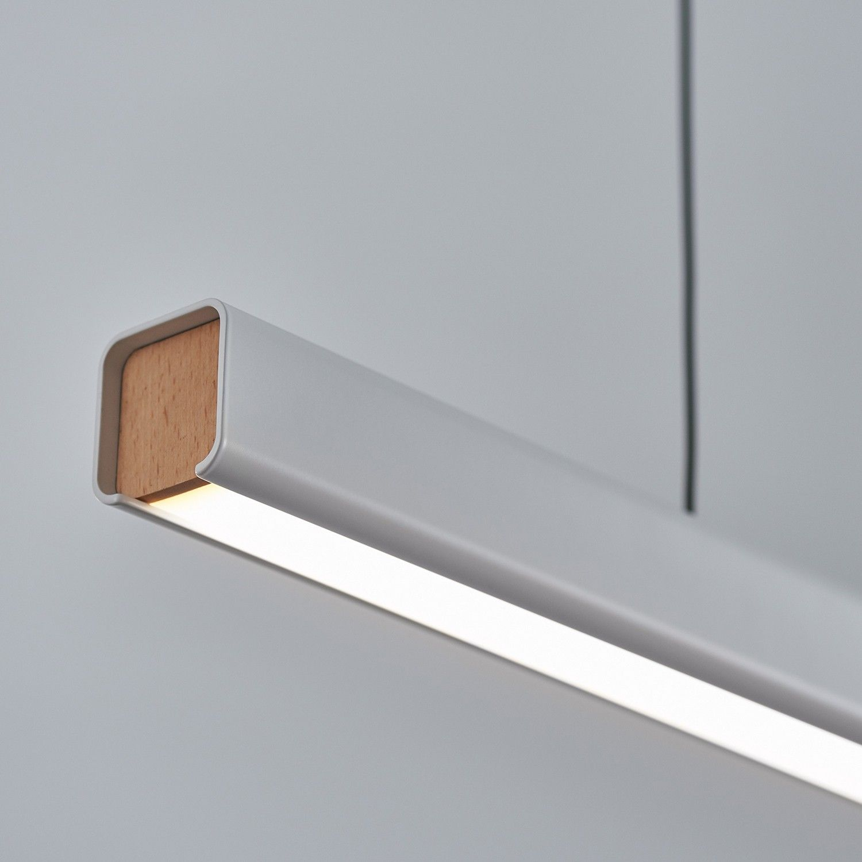 White Shown In Use Lineare Beleuchtung Weisse Hangeleuchte Deckenlampe Holz