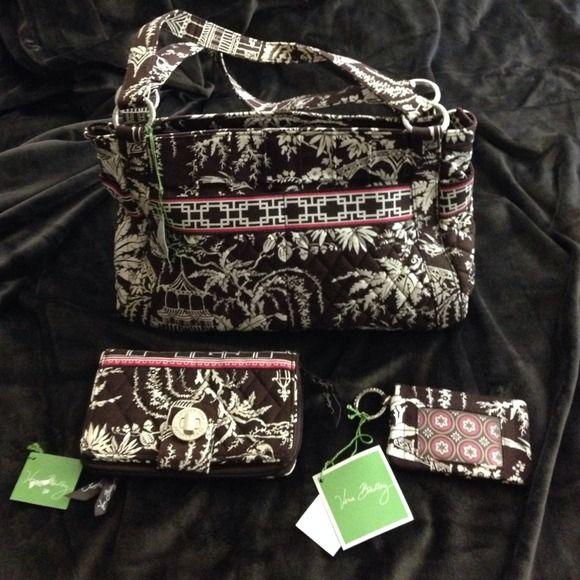66b183810e8 Spotted while shopping on Poshmark  NWT Vera Bradley Imperial Toile set!   poshmark  fashion  shopping  style  Vera Bradley  Handbags