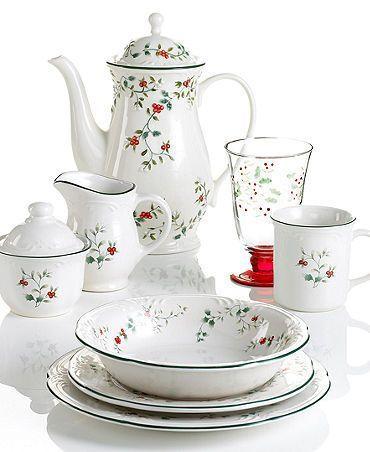 57 Beautiful Christmas Dinnerware Sets Pfaltzgraff Winterberry Dinnerware Collection  sc 1 st  Pinterest & 57 Beautiful Christmas Dinnerware Sets | Christmas dinnerware sets ...