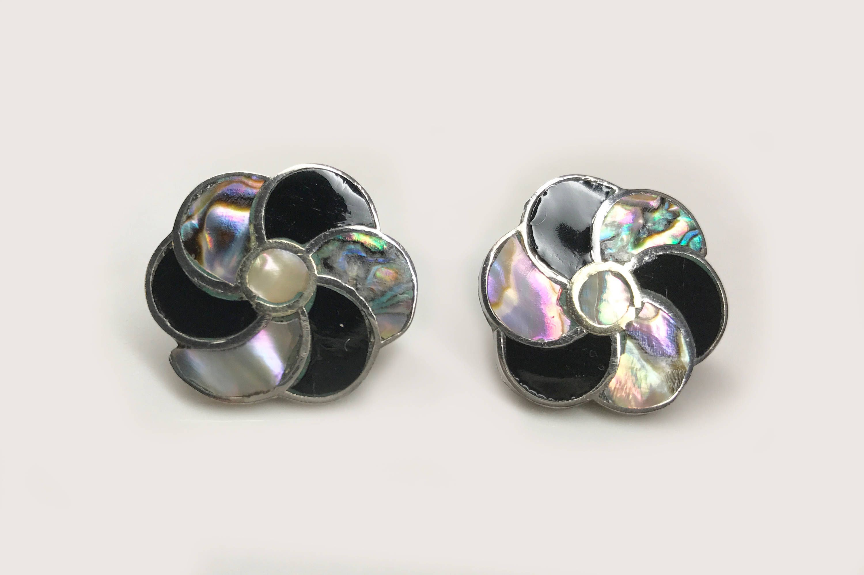 se jai khun stud beautiful accents inlaid seashell earrings artisan cute comes heart sq inlay abalone stone aeravida this silver designed round in oval square details which and piece products trendy