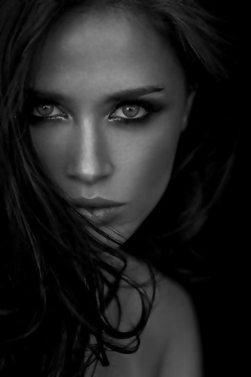 Pin von Max auf Beautiful women | Wunderschöne augen
