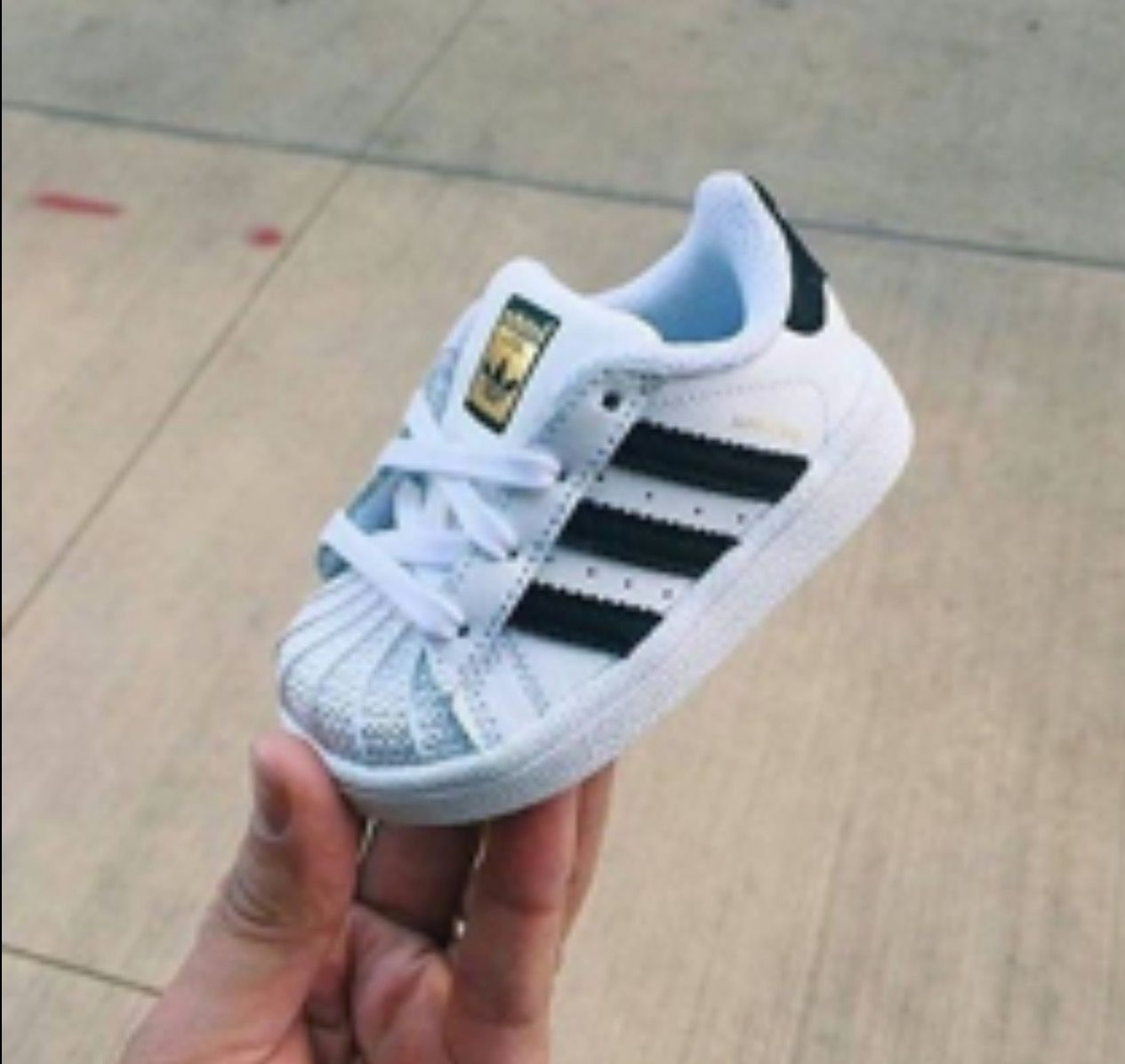 Flor de la ciudad tuberculosis Contribuyente  Adidas Superstar for babies✨😍 | Cute baby shoes, Baby girl shoes, Baby boy  shoes