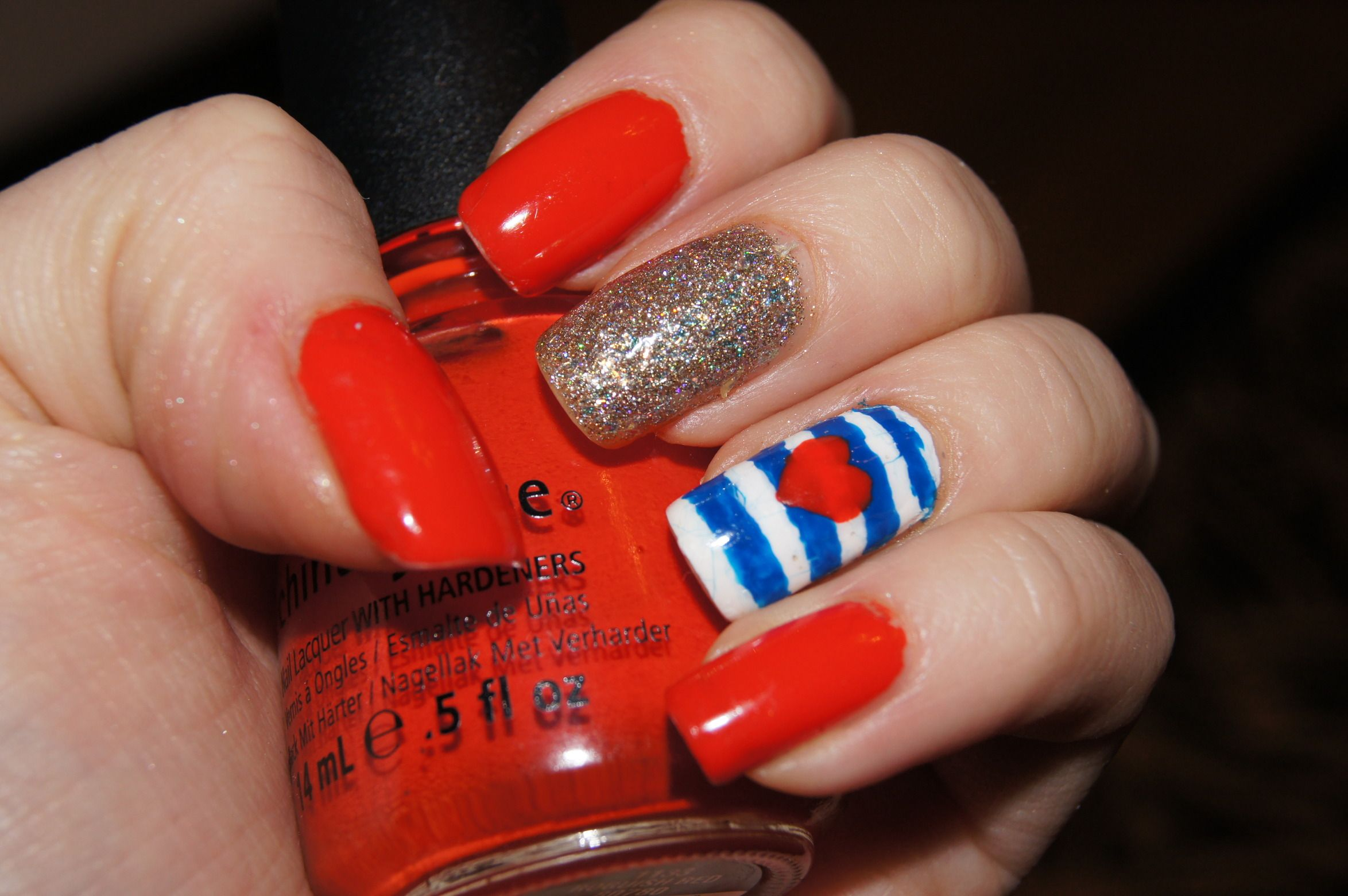 A fun, easy nail design(maybe for summer?)! You can obviously use ...
