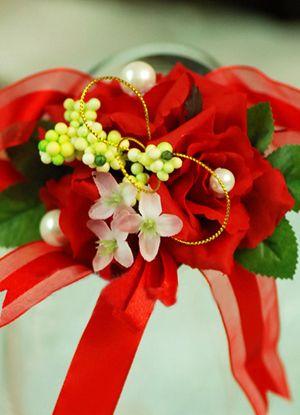 Festive Brillant Red Silk Cloth Wedding Bridal Wrist Corsage