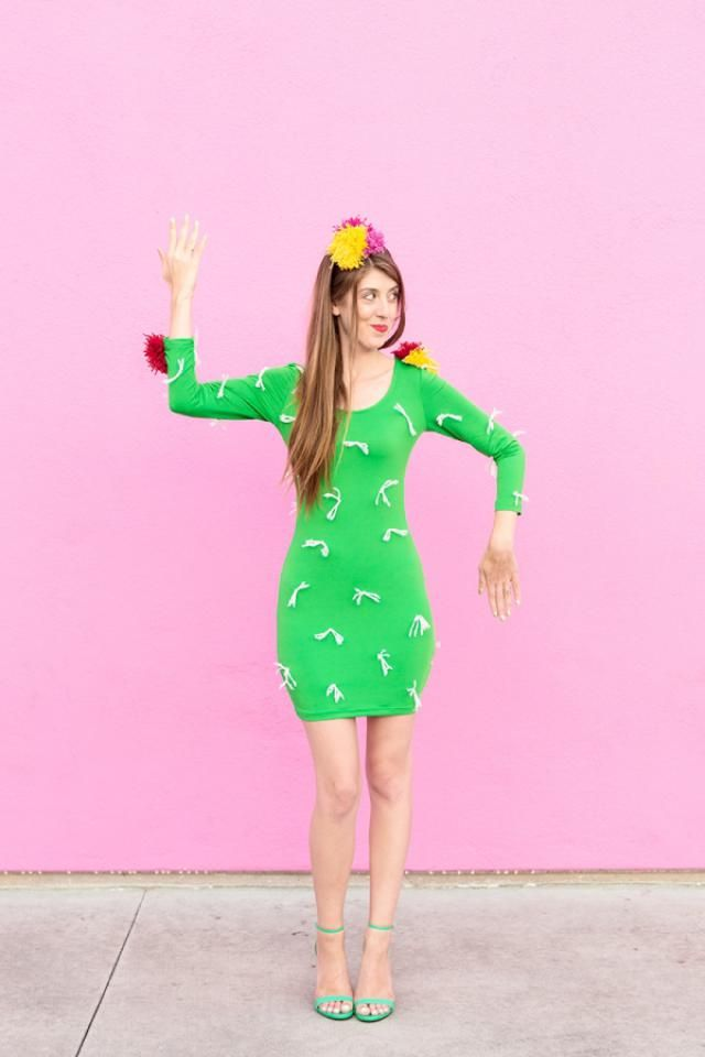 If you love cacti, try these 30 cactus inspired DIY projects! Crafts like this DIY Cactus Costume will be a hit at your next halloween party. Try it this weekend with your friends!