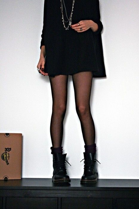grunge with Solovair   Dr. Martens !! Deez tights doe  c49b5e51735c
