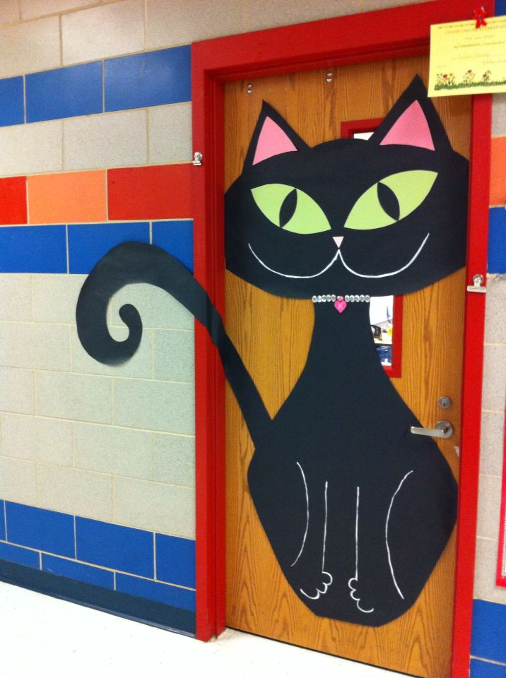 kitty kat october door decoration puertas decoradas. Black Bedroom Furniture Sets. Home Design Ideas
