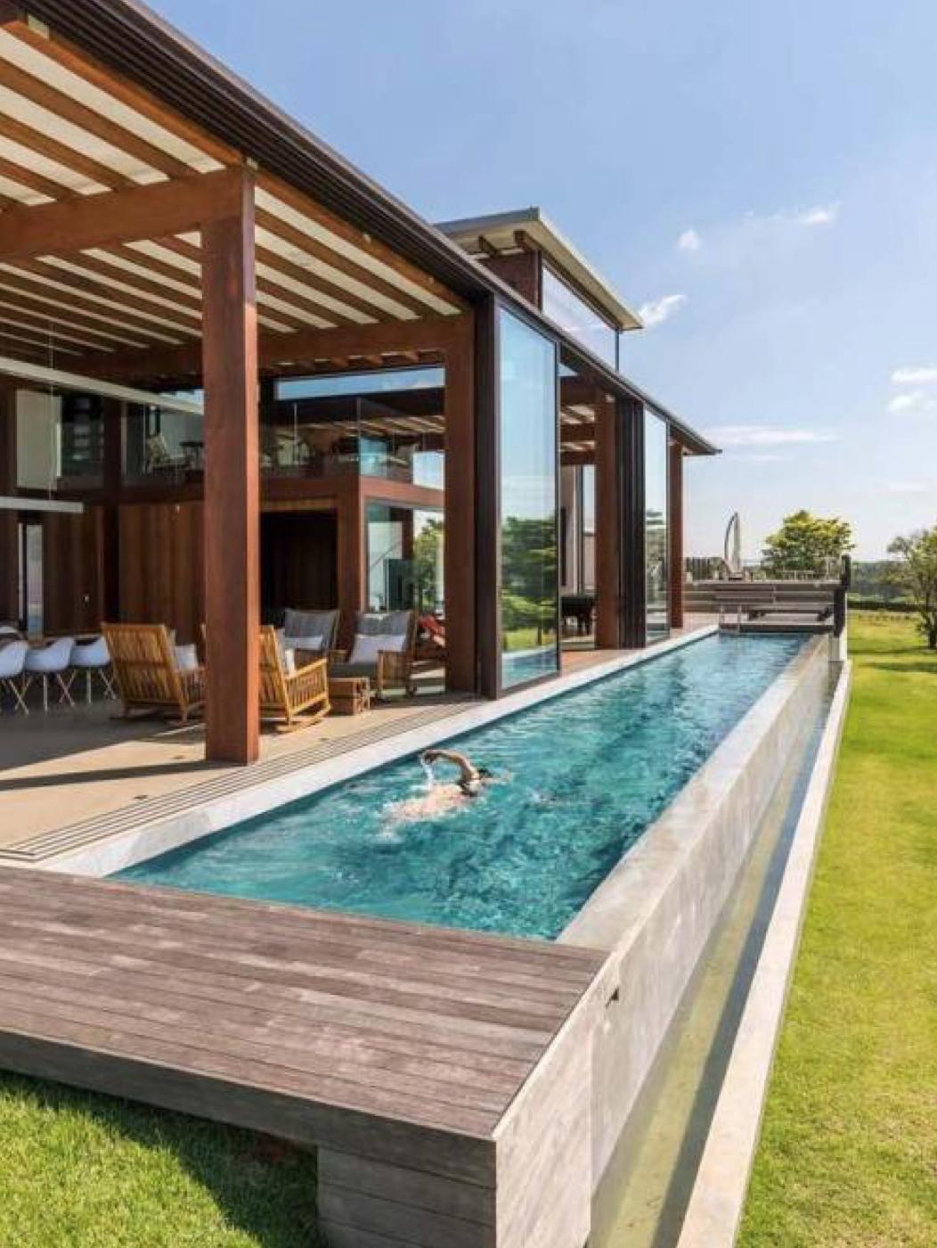 Pin By Dorothy Romisch On Houses Pool Houses Backyard Pool Backyard Pool Designs