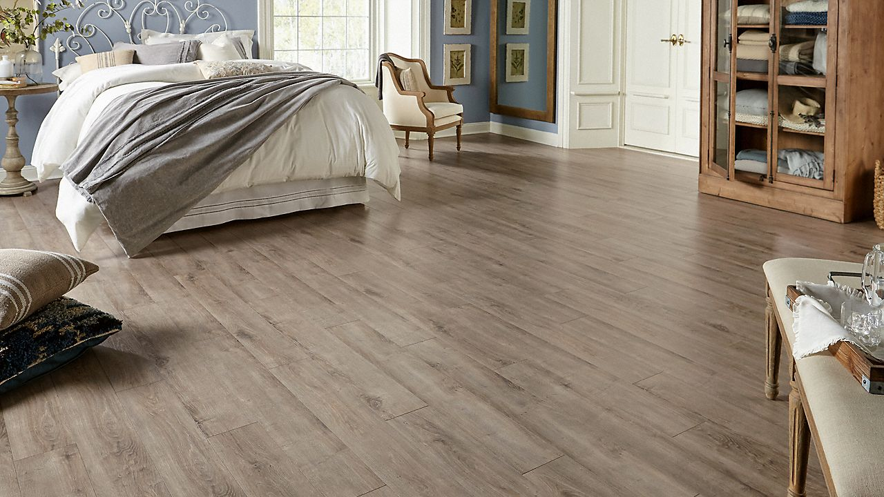 12mm Pad Sandpiper Oak Dream Home Xd Lumber Liquidators Oak Laminate Flooring Home Hardwood Floor Colors