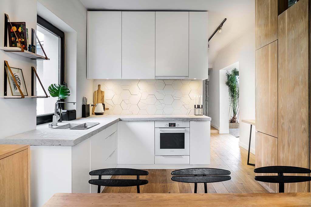 Plytki W Kuchni Najpiekniejsze Propozycje Na Sciane Nad Blatem I Podloge Kitchen Cabinets Home Decor Home
