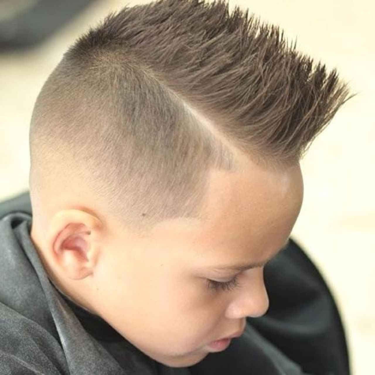 33 Am Coolsten Und Trendy Jungenhaarschnitte 2018 Jungs Frisuren