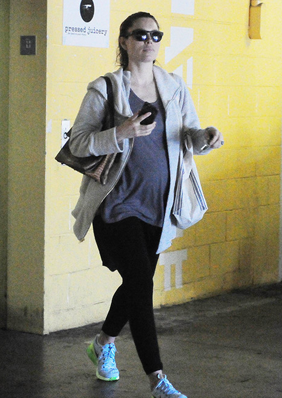Jessica Biel's Baby Bump is Officially Here! - http://www.celebritybabyscoop.com/2015/01/08/jessica-biels-officially #JessicaBiel, #JustinTimberlake
