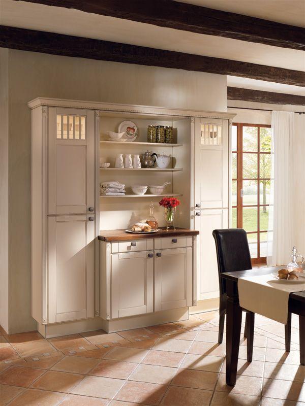 Hochschrank Landhausküche Fichte altweiß Landhaus Küchen Pinterest - küchen aus altholz