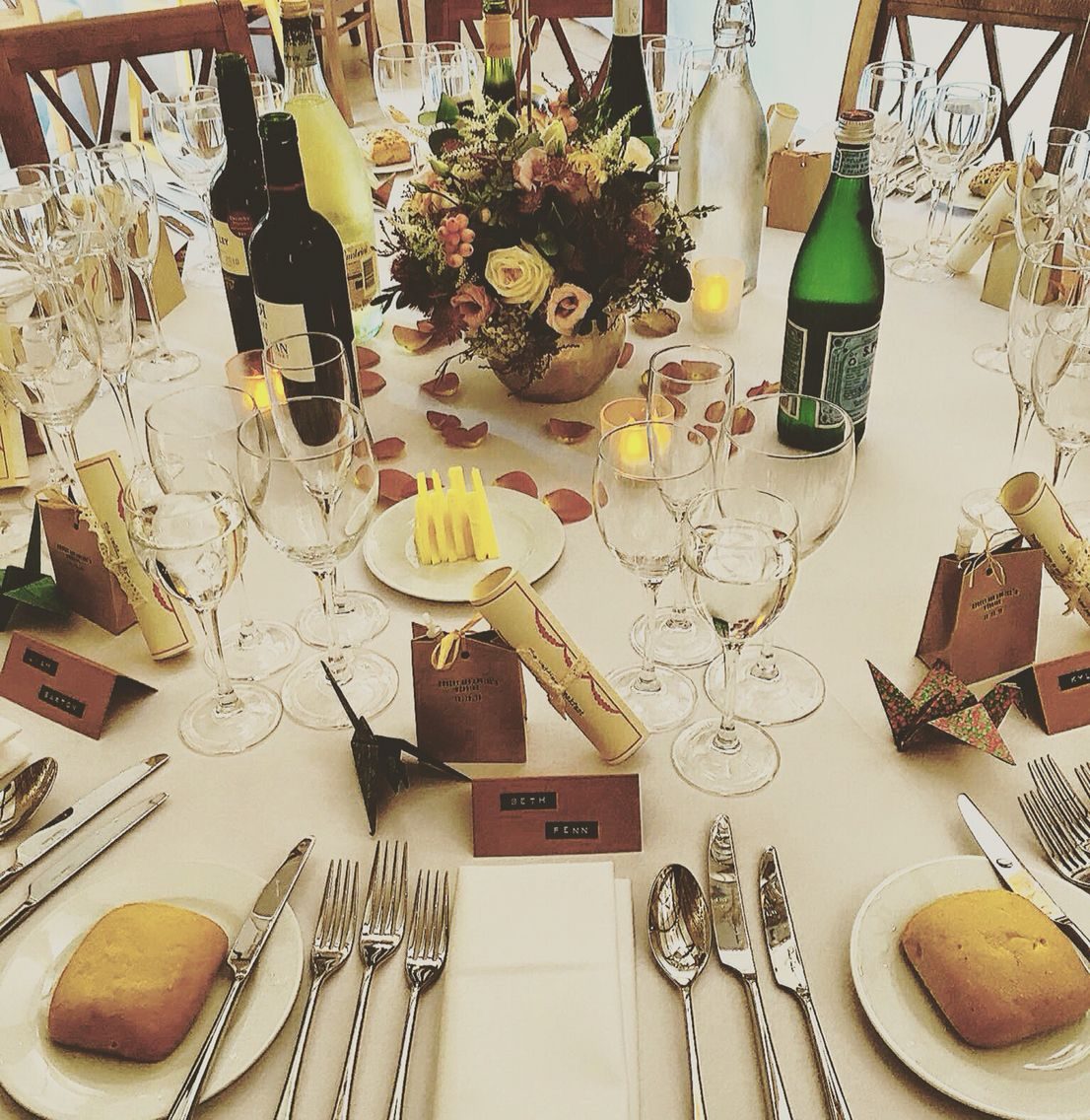 Stunning Wedding table setting and favours #CaswellHouse