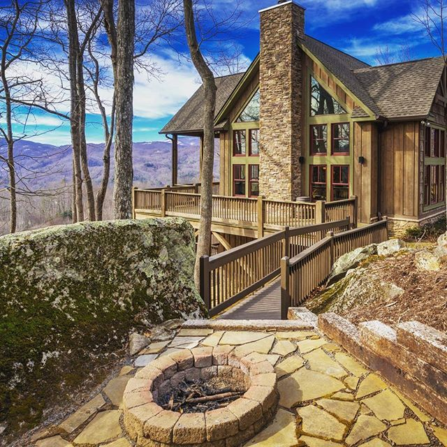 The Homestead - a rustic 4208 sq ft mountain home constructed by VPC Builders of Blowing Rock NC.