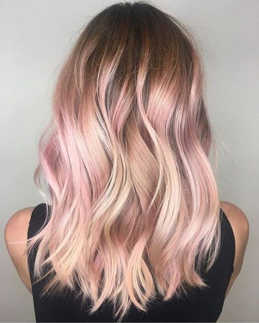 21 Rose Gold Hairstyles You Ll Want To Try Society19 Gold Hair Colors Hair Color Rose Gold Hair Styles
