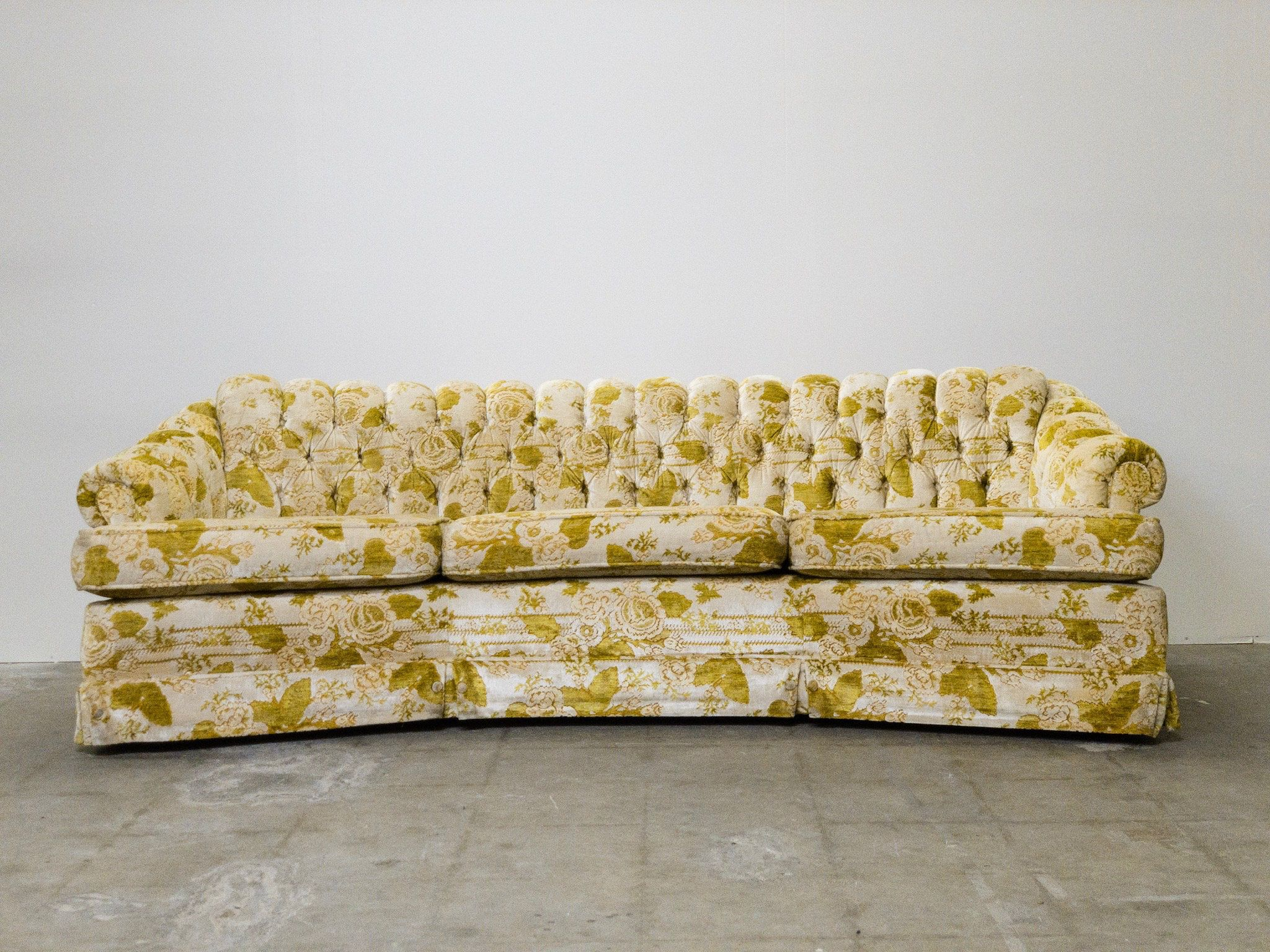 Marvelous 1960S Original Velvet Flocked Yellow Tufted Sofa For Our Alphanode Cool Chair Designs And Ideas Alphanodeonline
