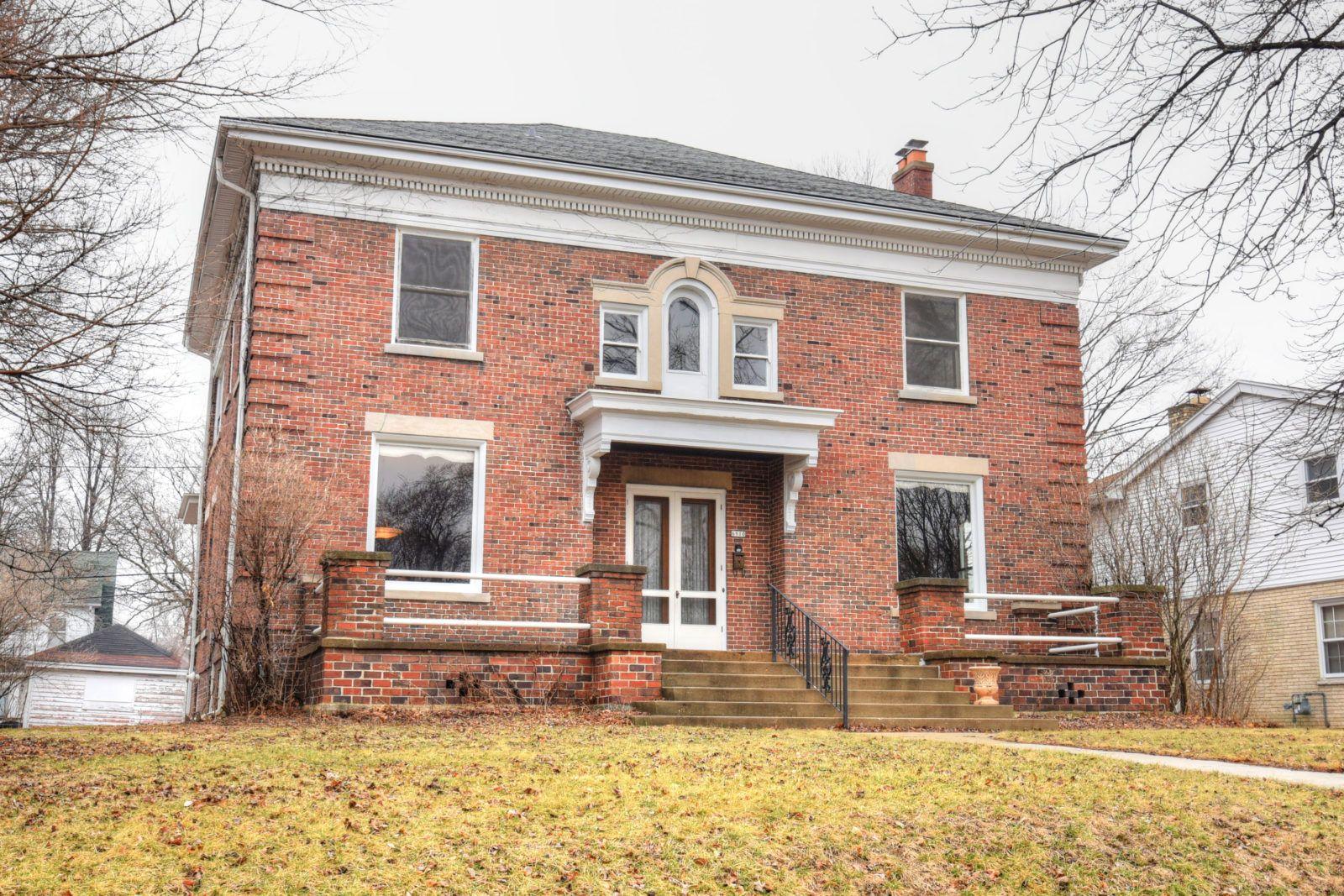 6910 W Wisconsin Ave Wauwatosa Wi 53213 Homes Around The World